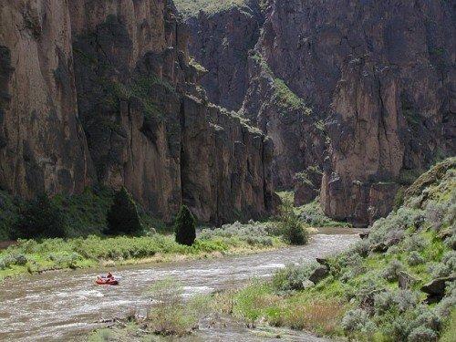 wilderness program for struggling teenagers